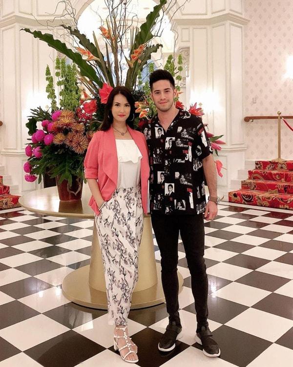 Maria Ozawa và Jose Sarasola