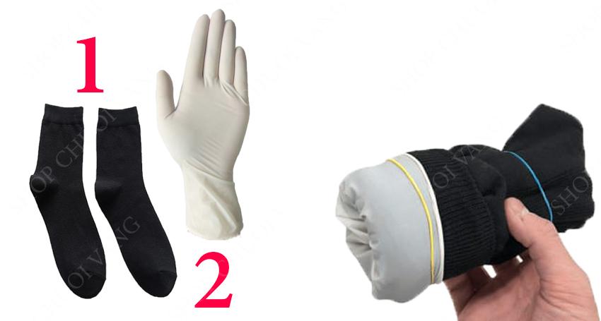 Cách làm âm đạo giả bằng chiếc tất và găng tay cao su