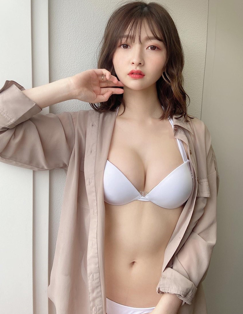 Sự nghiệp của Arina Hashimoto